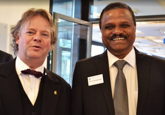 Dr Corty und Dr. Rajendran